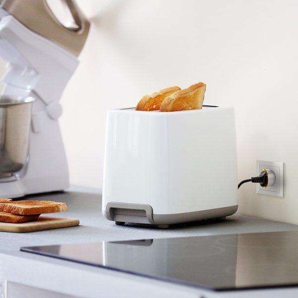 Wall Plug Toaster